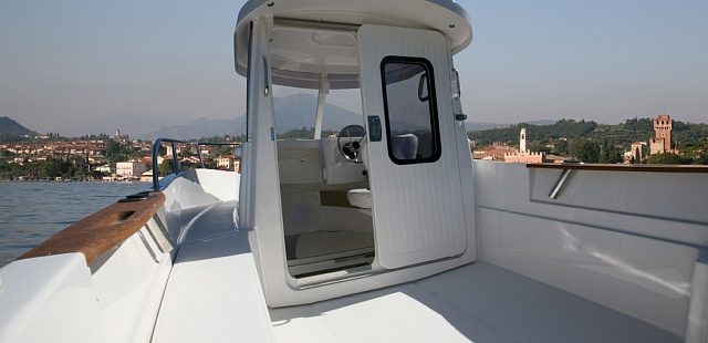 Pilothouse 500 катер с кабиной